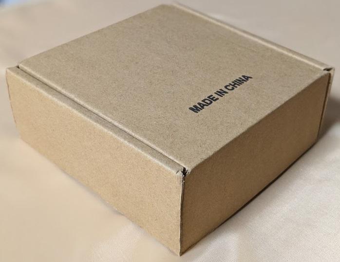 Amazonの安いオススメのベルトの箱の画像