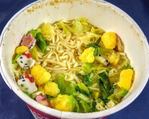 ハローキティ45周年お祝いカップ麺(しょうゆラーメン)は美味しいか?まずいか?の画像