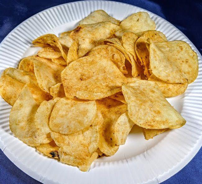 ポテトチップス ガスト チーズINハンバーグ味の画像
