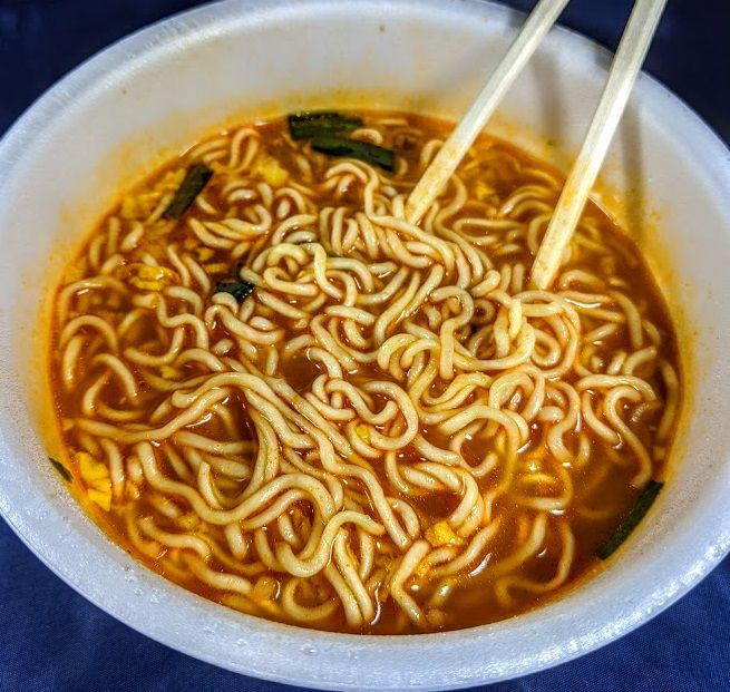 明星 チャルメラどんぶり 宮崎辛麺の画像